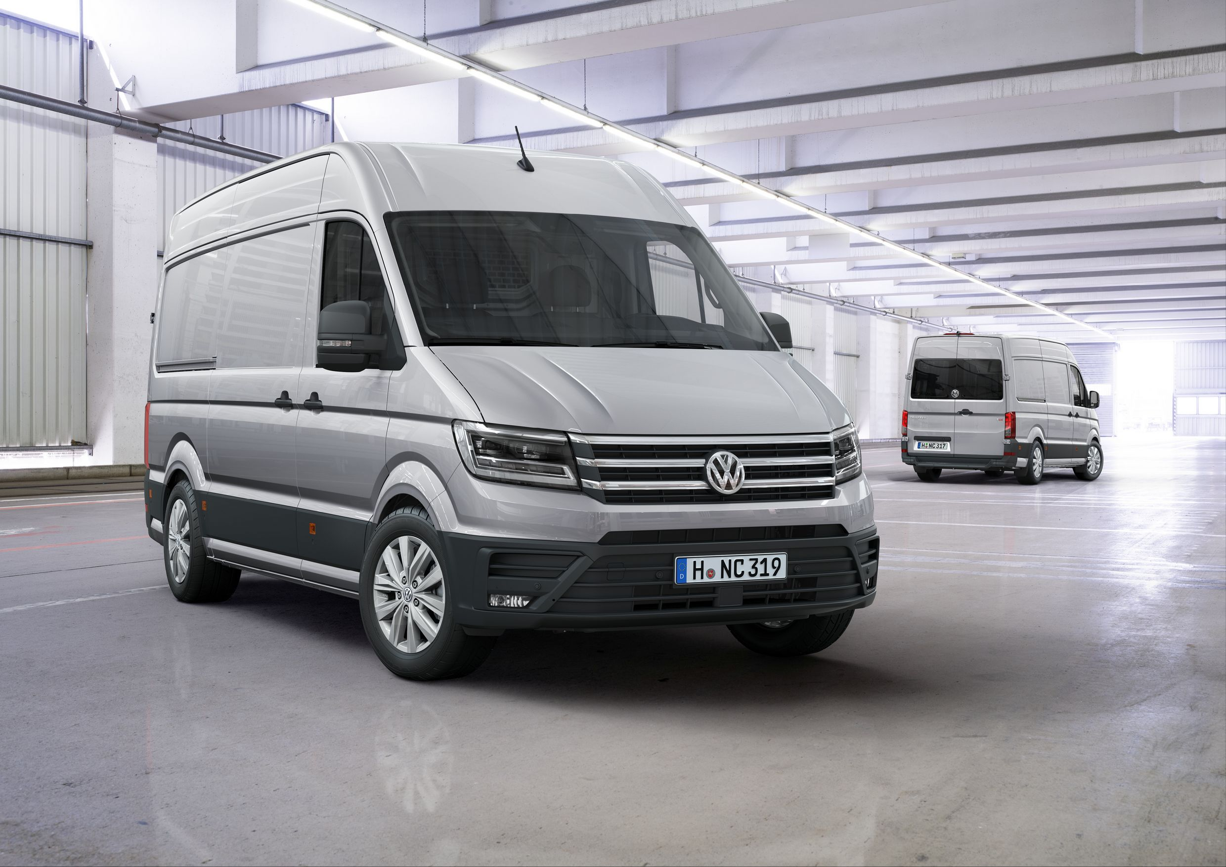 1469790708_new-2017-volkswagen-crafter-debuts-with-fwd-option-and-class-leading-features_1