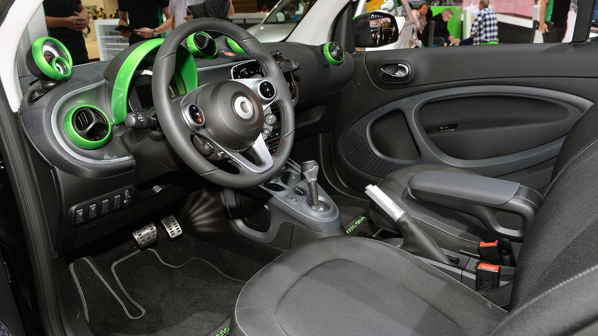 11-smart-fortwo-ed-paris-1