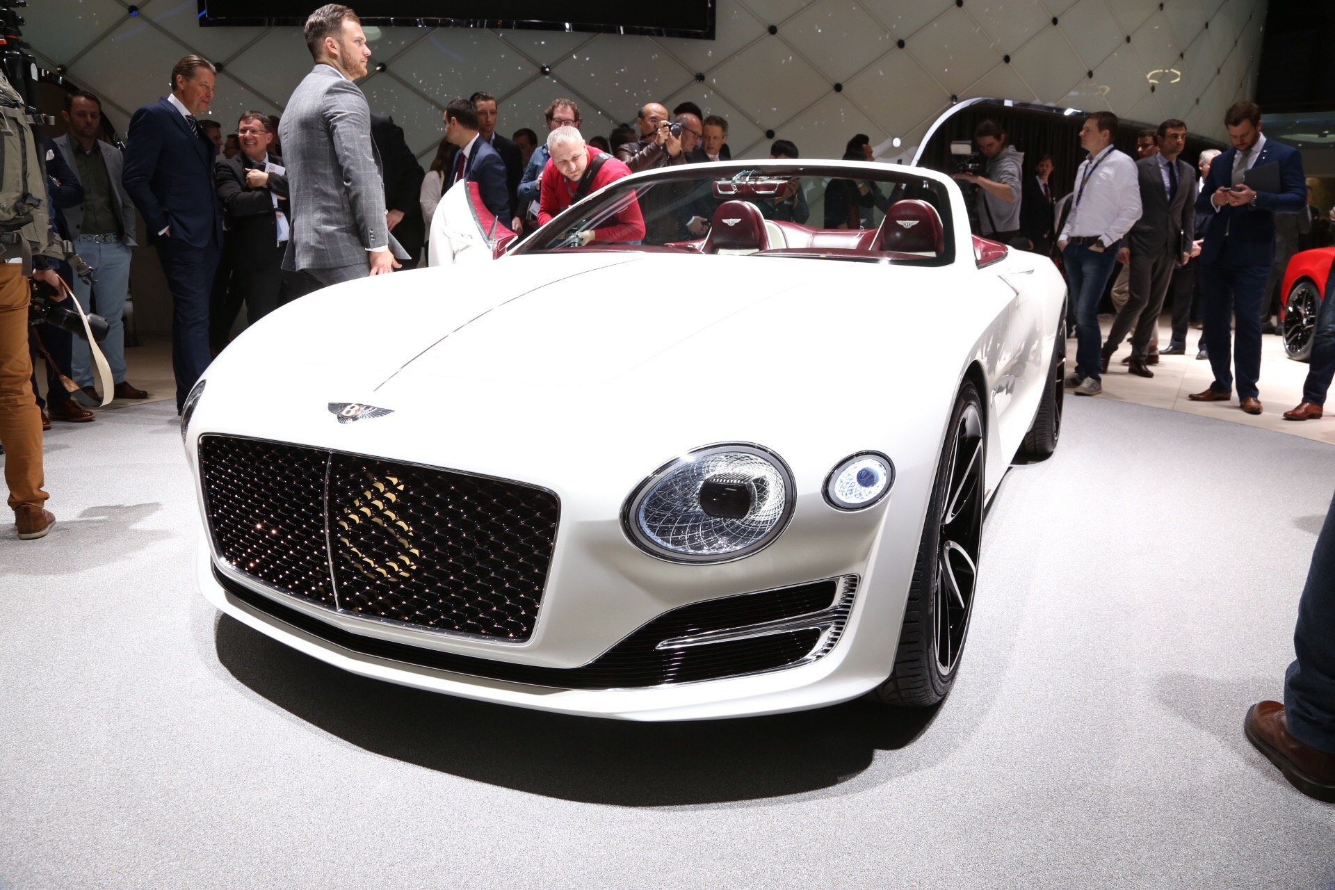 bentley-exp-12-speed-6e-concept-2017-geneva-auto-show_100594529_h
