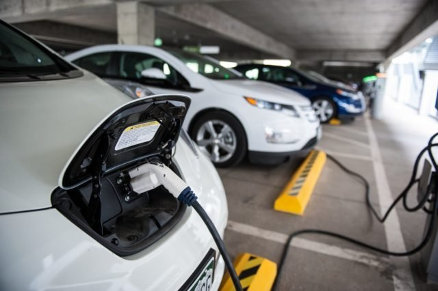 pevs-w-chargers-from-nrel-26669_0