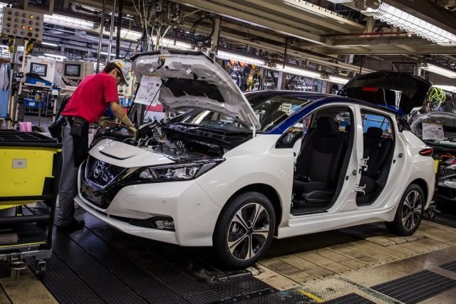 The Nissan LEAF has been completely reinvented, combining greater range with a dynamic new design and advanced technologies, representing Nissan's technological leadership.